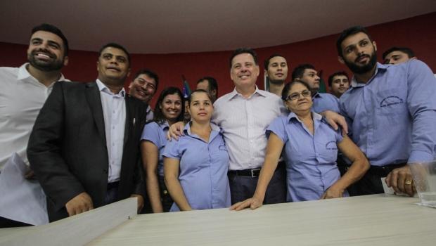 Goiás na Frente: Marconi entrega R$ 5,3 milhões para 3 cidades da região do Entorno