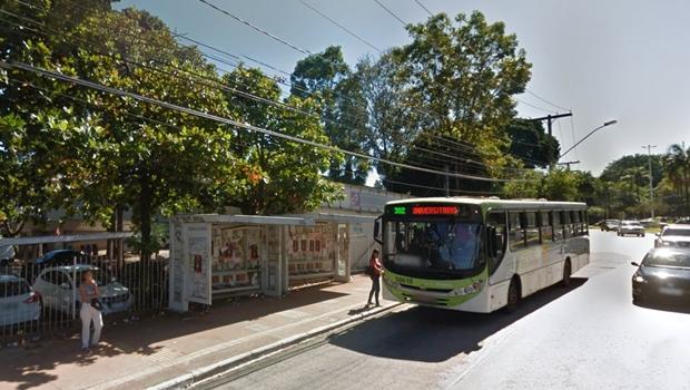 Câmara derruba veto do prefeito e estipula prazo máximo de espera por ônibus na capital