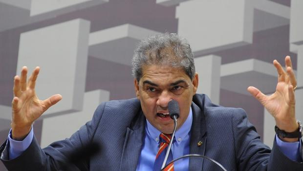 Indicados por Helio José são exonerados