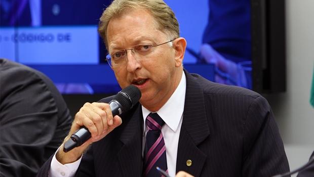 Partido Verde sugere que João Campos seja vice de José Eliton