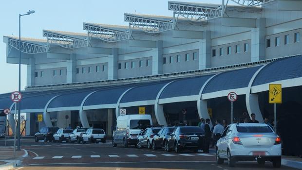 Procon Goiás autua companhias aéreas no Aeroporto Santa Genevova