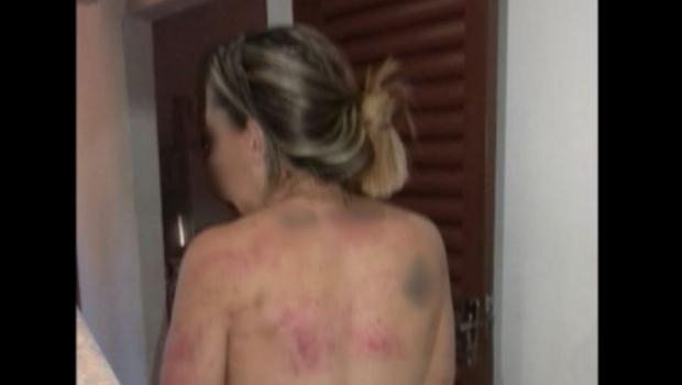 Em áudio chocante, homem conta a amigos como tortura e espanca a própria namorada