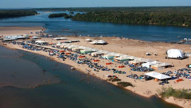 eeb9ae91c7a9 As praias formadas pelos sedimentos trazidos da bacia do Alto Araguaia  servem para o lazer dos turistas, mas também são motivo de preocupação com  a ...