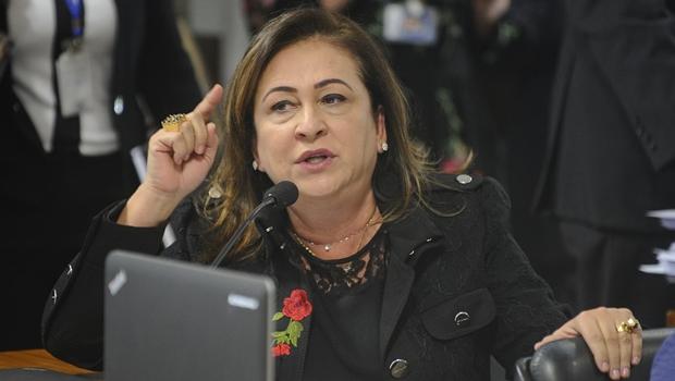 Kátia Abreu pode ser expulsa do PMDB