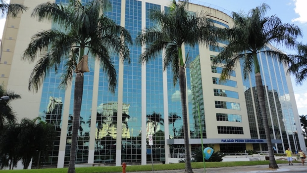 Governo de Goiás quita folha  de maio dentro do mês trabalhado