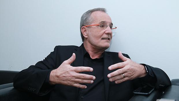 Walter Longo, presidente do Grupo Abril, diz que jornais e revistas estão se suicidando