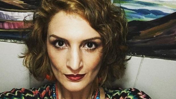 Com olho roxo, escritora grava desabafo após ser estuprada por motorista da Uber. Assista
