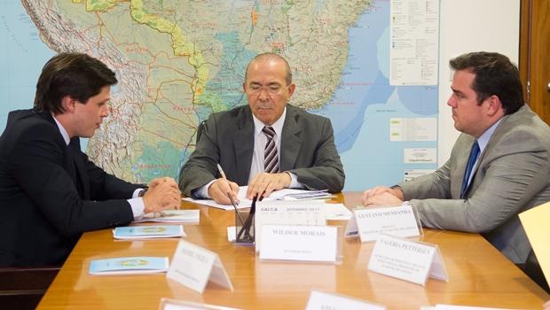 Em Brasília, Gustavo reivindica prioridade na liberação de recursos federais