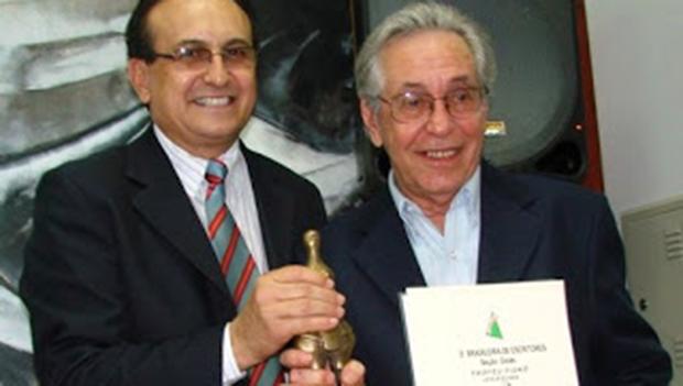 """Memórias de Fausto Valle são reunidas sob o título de """"No Meio de Tanto Graveto"""""""
