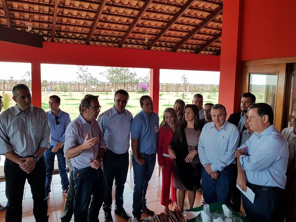 Prefeito do PMDB, Gilmar Alves diz que governo de Marconi Perillo não pressiona prefeitos pra aderir