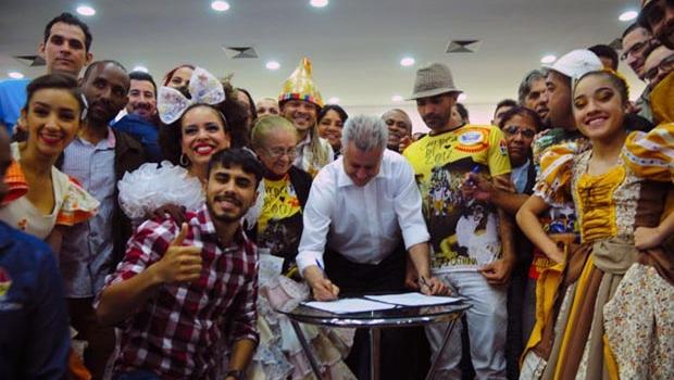 """Governador institui """"Política Brasília Junina"""""""