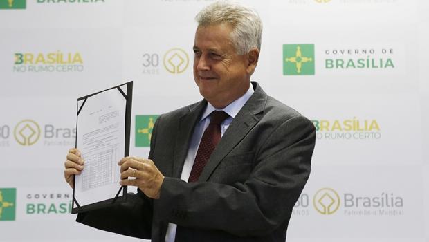 Rodrigo Rollemberg sanciona lei de transição de governos