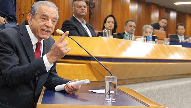 Iris propõe mais uma vez aumentar índice de gastos sem autorização da Câmara