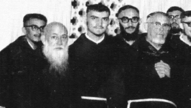 O Popular informa errado que cantor e compositor Belchior entrou criança para um mosteiro