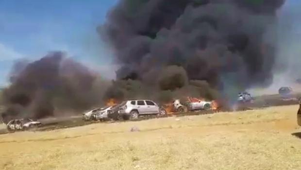 Incêndio em festa eletrônica em Goiânia destrói 19 carros