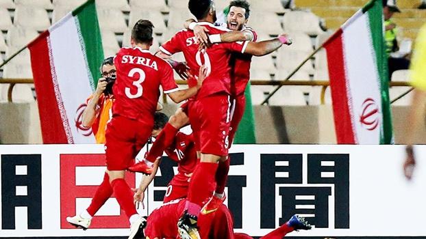 Com gol no último minuto, Síria se garante em repescagem para a Copa da Rússia