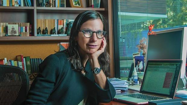 Lilia Schwarcz, biógrafa de Lima Barreto, participa de debate na UFG