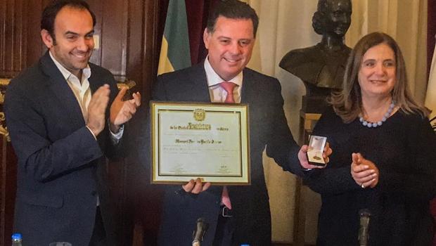 """Em Buenos Aires, Marconi recebe título de """"Hóspede de Honra"""""""