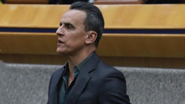 Presidência da Câmara descumpre parecer e não convoca suplente de Zander
