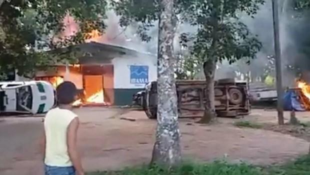 Homens armados incendeiam sedes do Ibama, Incra e do Instituto Chico Mendes