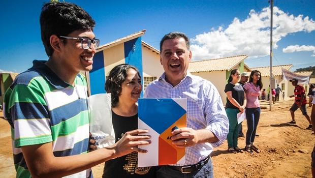 Governador inaugura obras do Goiás na Frente em seis municípios
