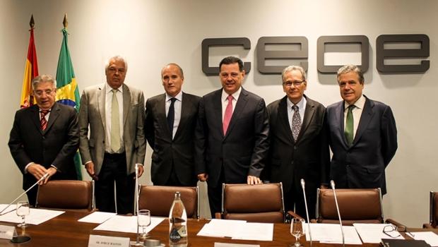 Marconi apresenta a empresa espanhola projeto do trem Goiânia-Brasília