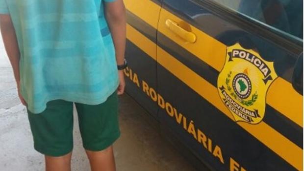Criança foge de casa e é encontrada às margens de rodovia em Goiânia