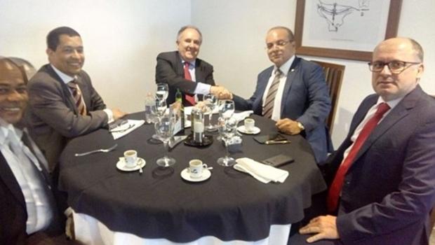 Pode surgir uma nova aliança política no DF para 2018