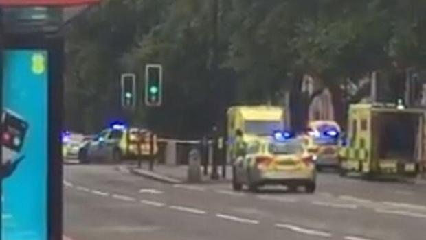 Novo atropelamento deixa vários pedestres feridos em Londres