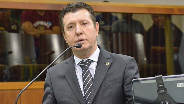 José Nelto mina próprias chances ao financiar blog contra o governo