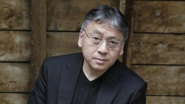 Britânico Kazuo Ishiguro ganha Prêmio Nobel de Literatura