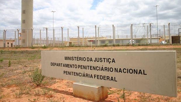 Resultado de imagem para penitenciaria federal de brasilia inauguração