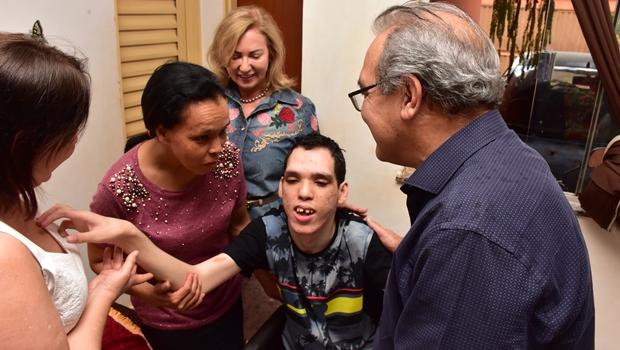 Com programa Melhor em Casa, Jânio Darrot percorre Trindade e conhece histórias dos beneficiados