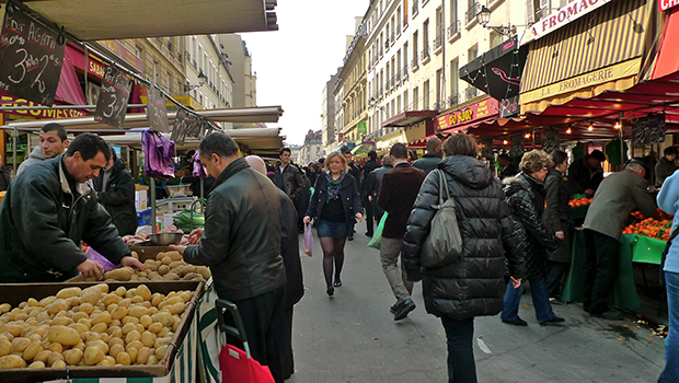 Milton Hatoum: Paris não é uma festa