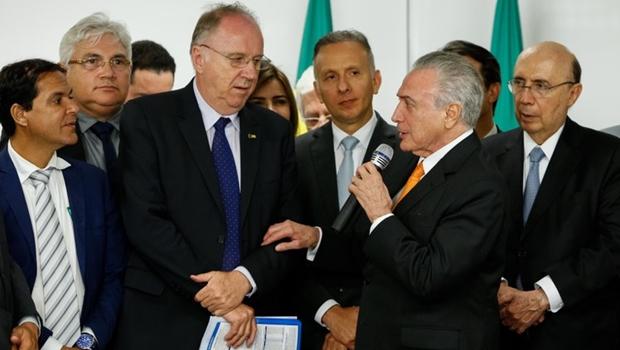 https://i0.wp.com/www.jornalopcao.com.br/wp-content/uploads/2017/12/CNM-TEMER-FOTO-Alan-Santos-OK-prefeitos.jpeg?resize=620%2C350&ssl=1