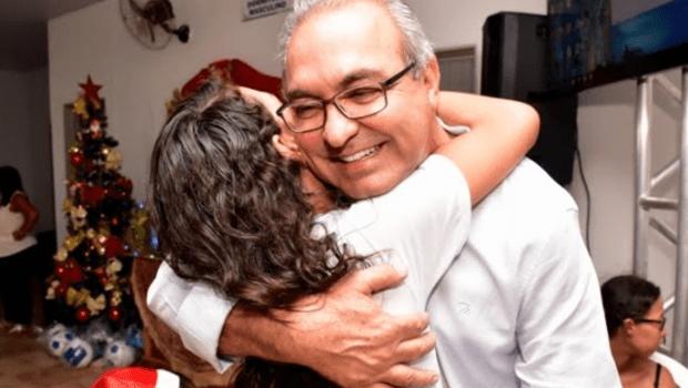 Em Trindade, casal Jânio e Dairdes Darrot comemora 5 anos de presença natalina no Condomínio Beija-Flor