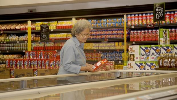 Procon aponta alta variação de preços em cestas de Natal na capital