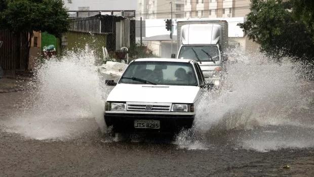 Chuvas em Goiânia continuam durante a semana. Confira previsão do tempo