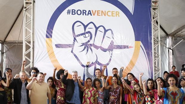 """240 jovens em Samambaia foram formados pelo programa """"BoraVencer"""" nas Cidades"""