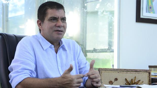 Comportamento de outsider retira força política de Carlos Amastha e Kátia Abreu