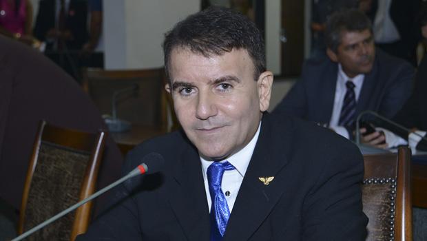 Eduardo Siqueira se licencia para tratamento de saúde