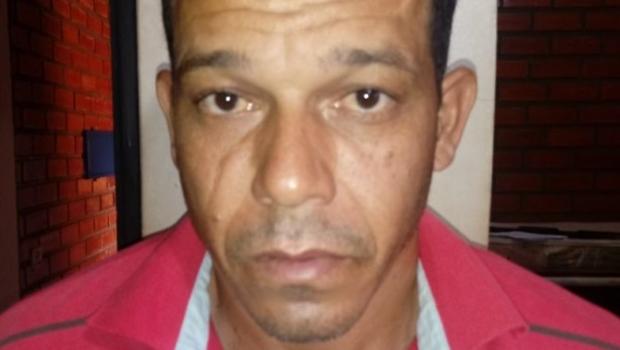 Homem é preso suspeito de matar esposa e agredir enteada em Goiás