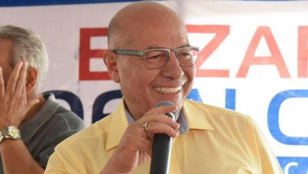 Ministério Público Eleitoral denuncia Professor Alcides por propaganda antecipada