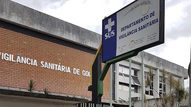 Prédio da Vigilância Sanitária não dá exemplo