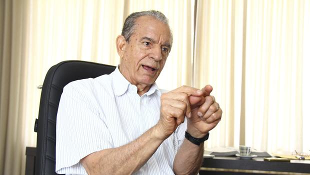 Iris Rezende pretende disputar a reeleição e terminar o mandato com 91 anos