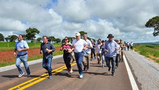 Marconi e Zé Eliton já entregaram 23 obras em 31 municípios em rush do Goiás na Frente