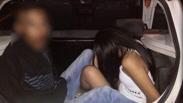 Casal troca tiros com GCM e é preso depois de bater carro roubado