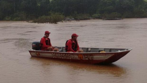 Casal morre afogado após ser levado por correnteza no Rio Corumbá, em Goiás