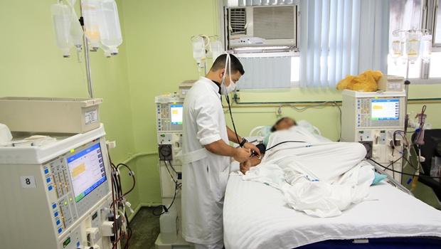 Com planos de saúde em alta, goianos buscam opção no seguro de vida