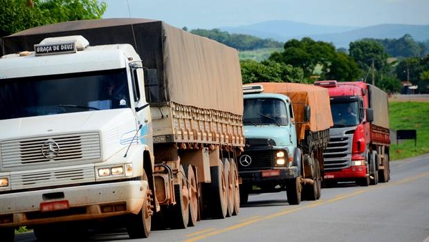 Veículos pesados terão circulação restrita no feriado prolongado. Confira trechos